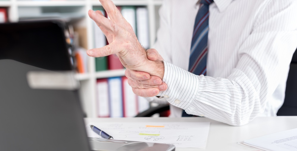 Carpal tunnel syndrome (CTS) and magnetic field therapy